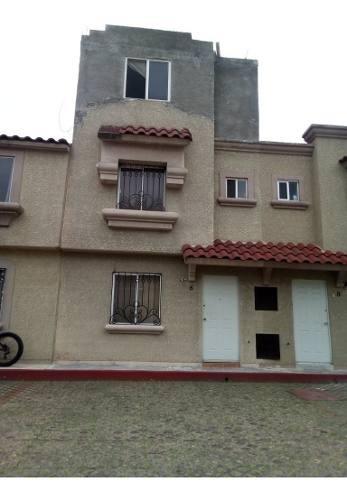 Se Vende Casa Urbiquinta Montecarlo , 3 Niveles