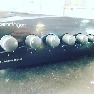 Amplificador Eurocom Behringer Sn2408 Impecable Oportunidad