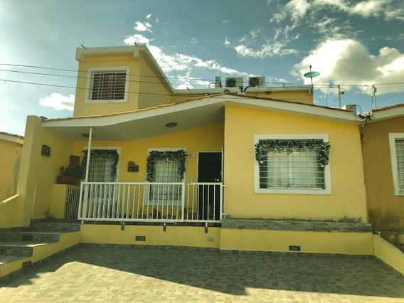 Casa En Venta Hacienda Yucatan Barquisimeto 20-6011 Aj
