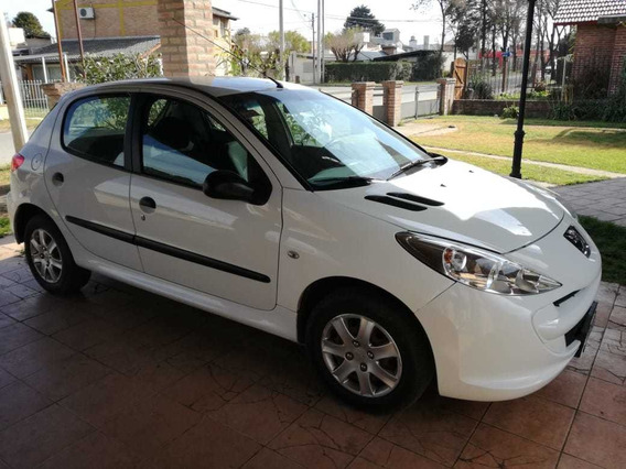 Peugeot 207 Compact Excelente Estado