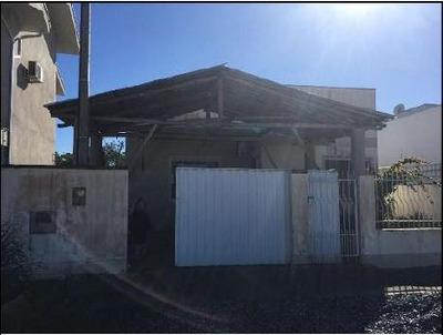 Casa Para Venda Em São João Batista, Centro, 3 Dormitórios, 1 Banheiro - Ca221