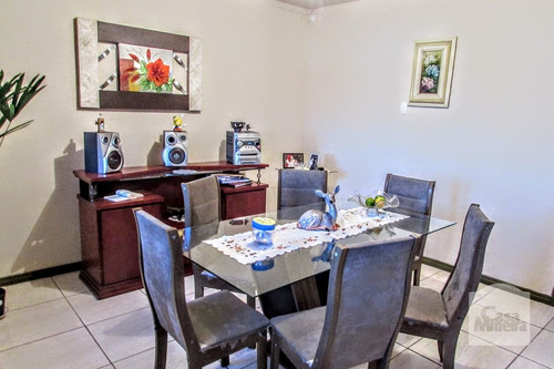 Imagem 1 de 6 de Casa À Venda No Cachoeirinha - Código 227183 - 227183
