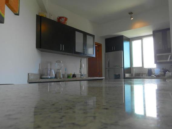 !! 17-9082 Apartamentos En Venta