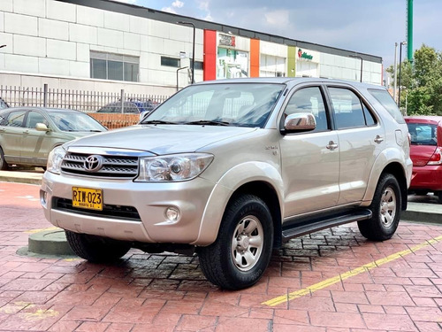 Toyota Fortuner 2700cc At 4x4