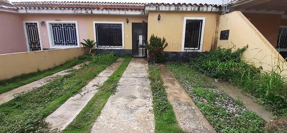 Acogedora Casa En Alquiler En Cabudare #20-18266