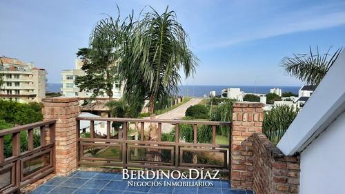 Hermosa Residencia Muy Cerca Del Mar- Ref: 894