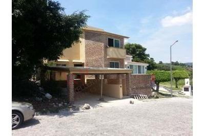 Casa Moderna, Nueva, Área Común, Vigilancia, Al Sur De La Ciudad De Cuernavaca, Burgos Corinto, Morelos