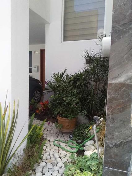Casa Amueblada Y Equipada Con 4 Recamaras, 1 En Pb En Fracc.