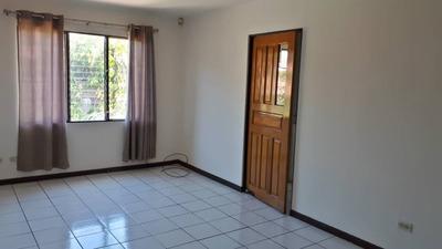 Se Alquila Amplio Apartamento En Santo Domingo