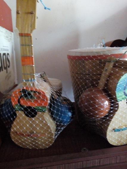 Combo De Tambor , Maracas Y Cuatro Juguetes