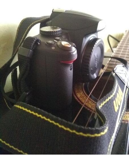 Nikon D3000 Cámara Dslr...7000 Disparos.