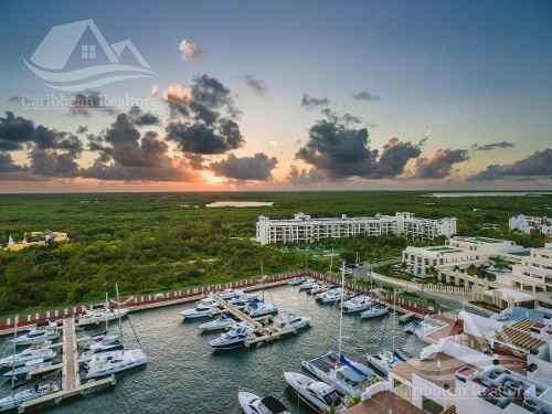 Departamento En Venta En Cancun/playa Mujeres/la Amada