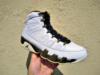 Air Jordan 9 Retro Statue 2015