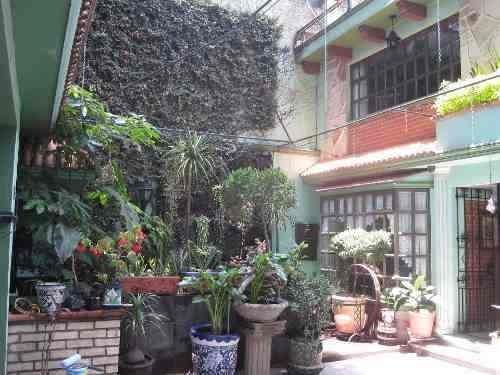 Col. Educacion.- Excelente Casa En Calle Cerrada