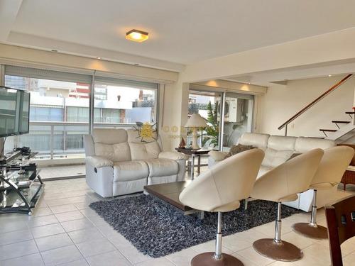 Penthouse Duplex De Tres Dormitorios En Venta + Parrillero Propio- Ref: 2714