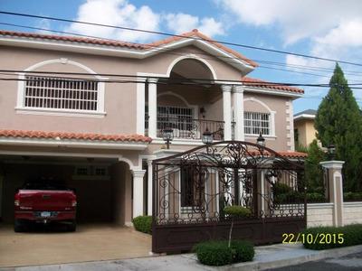 Bellisima Casa En Altos De Arroyo Hondo 4hab 550m2