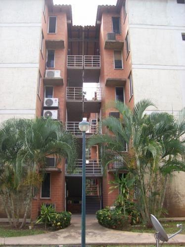 Apartamento En Urbanización El Moriche