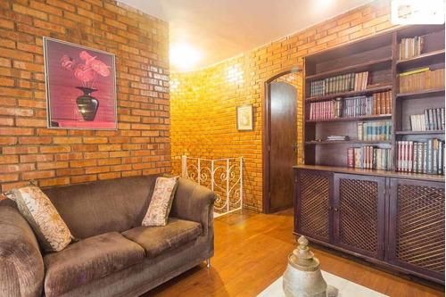 Imagem 1 de 15 de Aluguel De Casa Com 300m² E 4 Quartos  - 11792