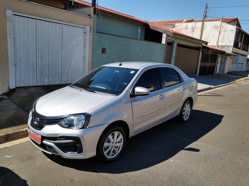 Toyota Etios Sedán 1.5 X Plus Aut