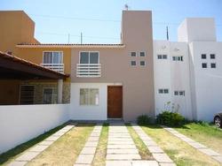 Renta Casa 3 Recamaras Villa Palmira Queretaro Privada Club
