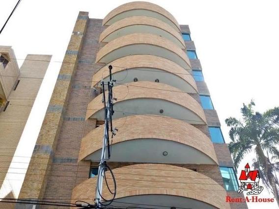 Apartamento En Venta El Bosque Maracay Dp 20-8510