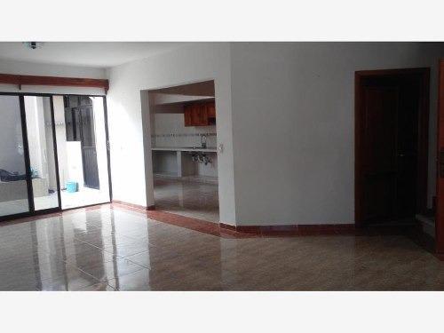 Casa Sola En Venta Fraccionamiento Villa San Carlos