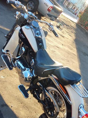 Harley Davidson Deluxe Softail