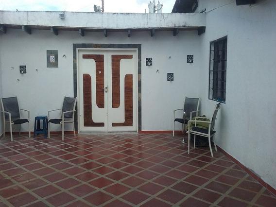 En Venta Amplia Casa En Urb. Portal De Tipuro