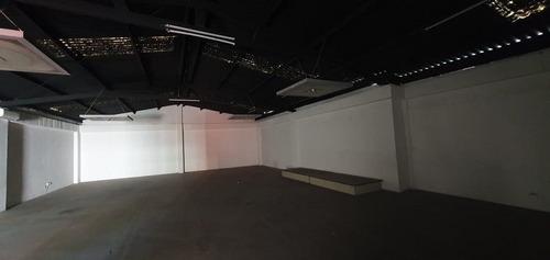 Imagen 1 de 9 de Edificio Comercial En 3 Niveles, Ubicado A 1 Cuadra De Calza