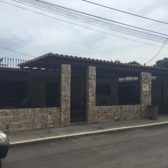 Se Vende Hermosa Quinta En San Miguel, 04128921943