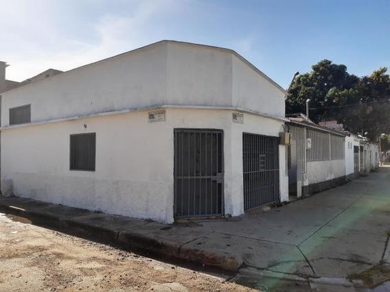 Casa Con Locales En Venta Maracay Zp 20-2860