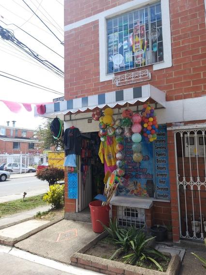 Se Vende Negocio Tipo Remate, Ubicado En El Barrio El Tintal