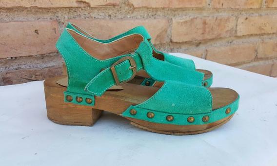 Sandalias Mujer Cuero Eco Con Tachas Suela De Madera
