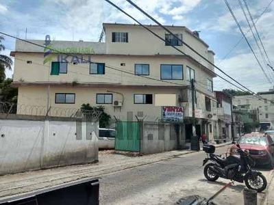Venta Edificio 4 Plantas 500 M² Centro Tuxpan Veracruz. Ubicado En La Calle Pavón, El Edificio Cuenta Con 4 Plantas, En Planta Baja Cuenta Con 3 Locales, Cada Uno Con Baño Completo, El Primer Piso, 2