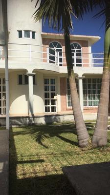 Casa En Renta En Oaxtepec. Cómoda, Amplia, Buena Ubicación