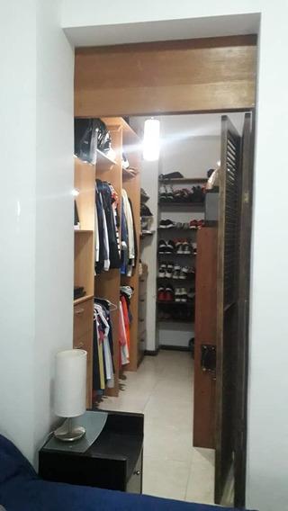 En Venta Apartamento En Residencia Kynaky