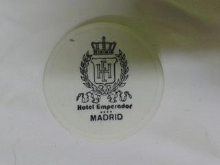Limpia Zapatos De Hotel Emperador De Madrid