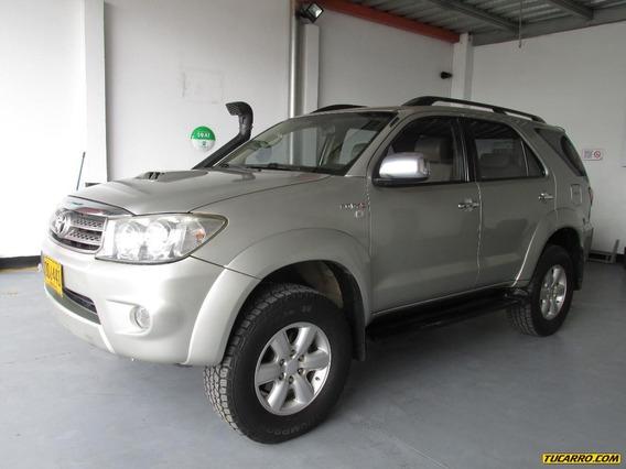 Toyota Fortuner 3.0 Svr