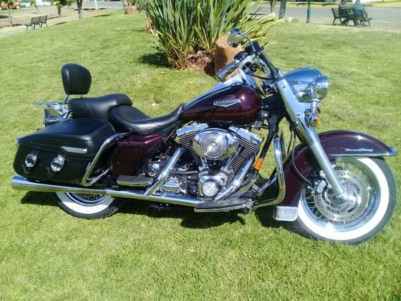 Harley-davidson Road King Classic.