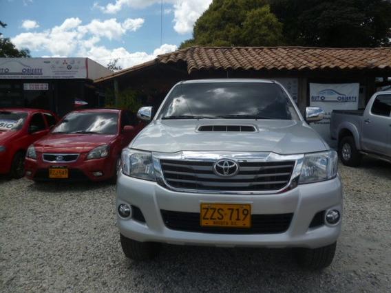 Toyota Hilux Srv Dc Cuero Abs Airbag Rines Diesel Full 4*4