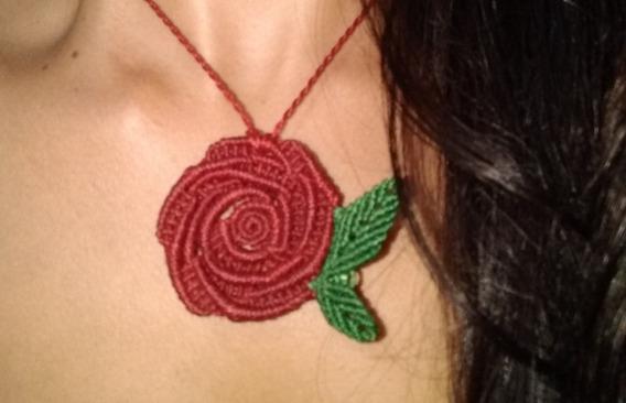 Colar Macramê Rosa