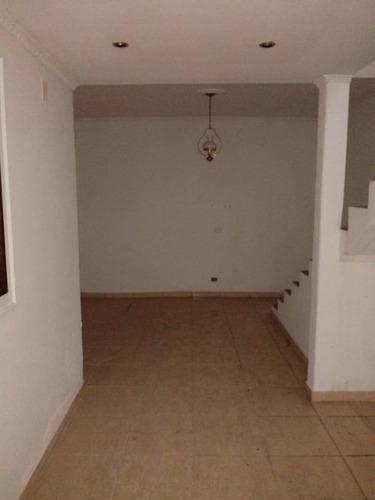 Imagem 1 de 10 de Sobrado Para Aluguel Por R$1.400,00/mês Com 2 Dormitórios, 2 Vagas E 1 Banheiro - Itaquera, São Paulo / Sp - Bdi31421
