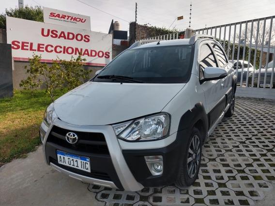 Toyota Etios Cross 5p M/t 2016 Usado
