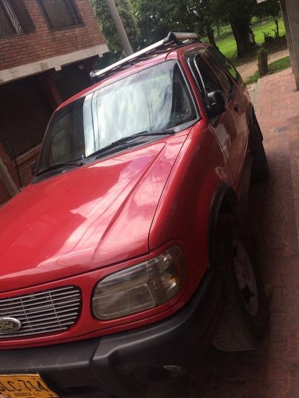Ford Explorer Modelo 2000 Color Rojo