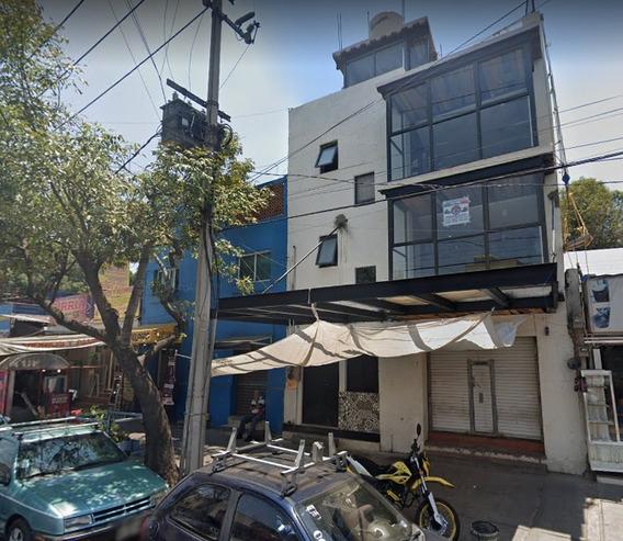 A Tiempo De Invertir En Casa De Remate Con Local Comercial