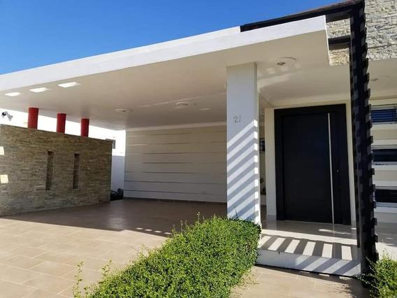 Casa Gurabo Piscina