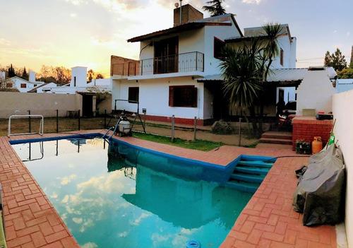 Vendo Casa Zona Villa Warcalde, 4 Dorm Con Pileta