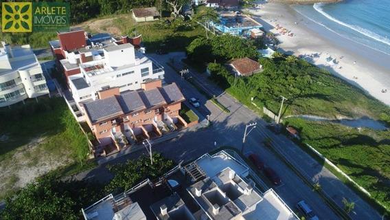 Casa No Bairro Quatro Ilhas Em Bombinhas Sc - 397