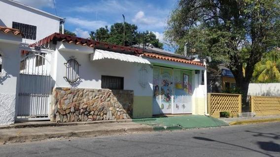 Casa En Venta En Buena Zona De Maracay Nb 19-11077