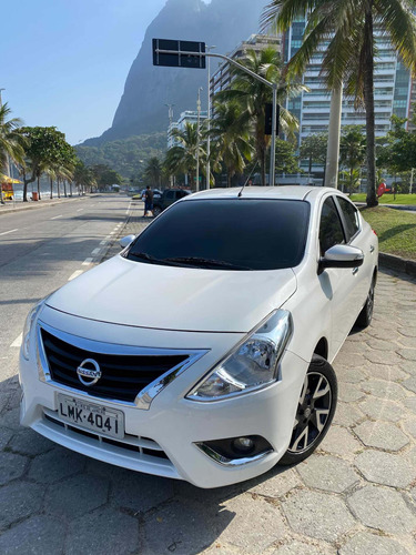 Nissan Versa 2017 1.6 16v Sl Aut. 4p